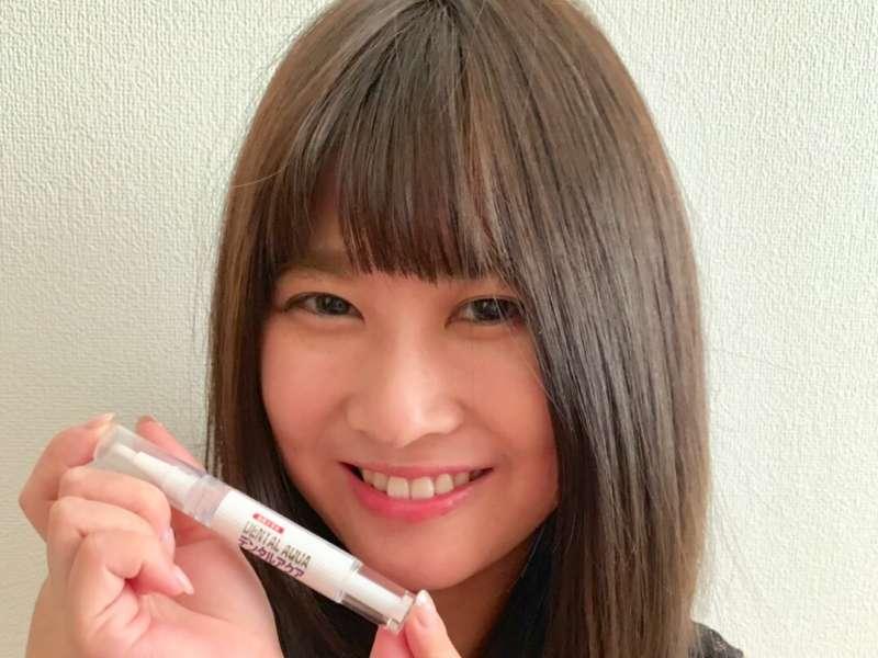 ヤニ黄ばみ歯の表面の着色汚れは使いやすい携帯ペン型デンタルアクアで