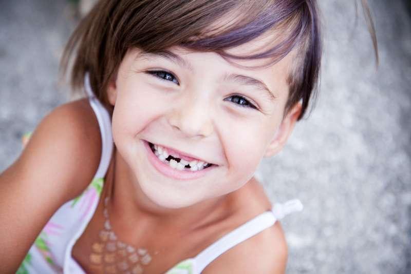 医師が回答子どもの歯はそのままにしておく乳歯の虫歯の原因抜くタイミングや治療の必要性