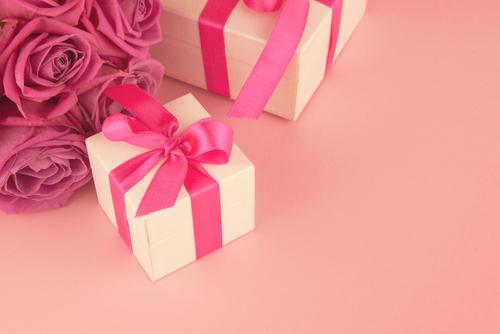 ランコムにアルマーニ友人や彼女から喜ばれるプレゼントに選びたい人気コスメブランド秋の新作リップ4選