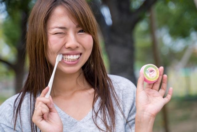 タイ土産駐妻たちが知るハーブ大国の歯磨きペーストをハノジョがお試し