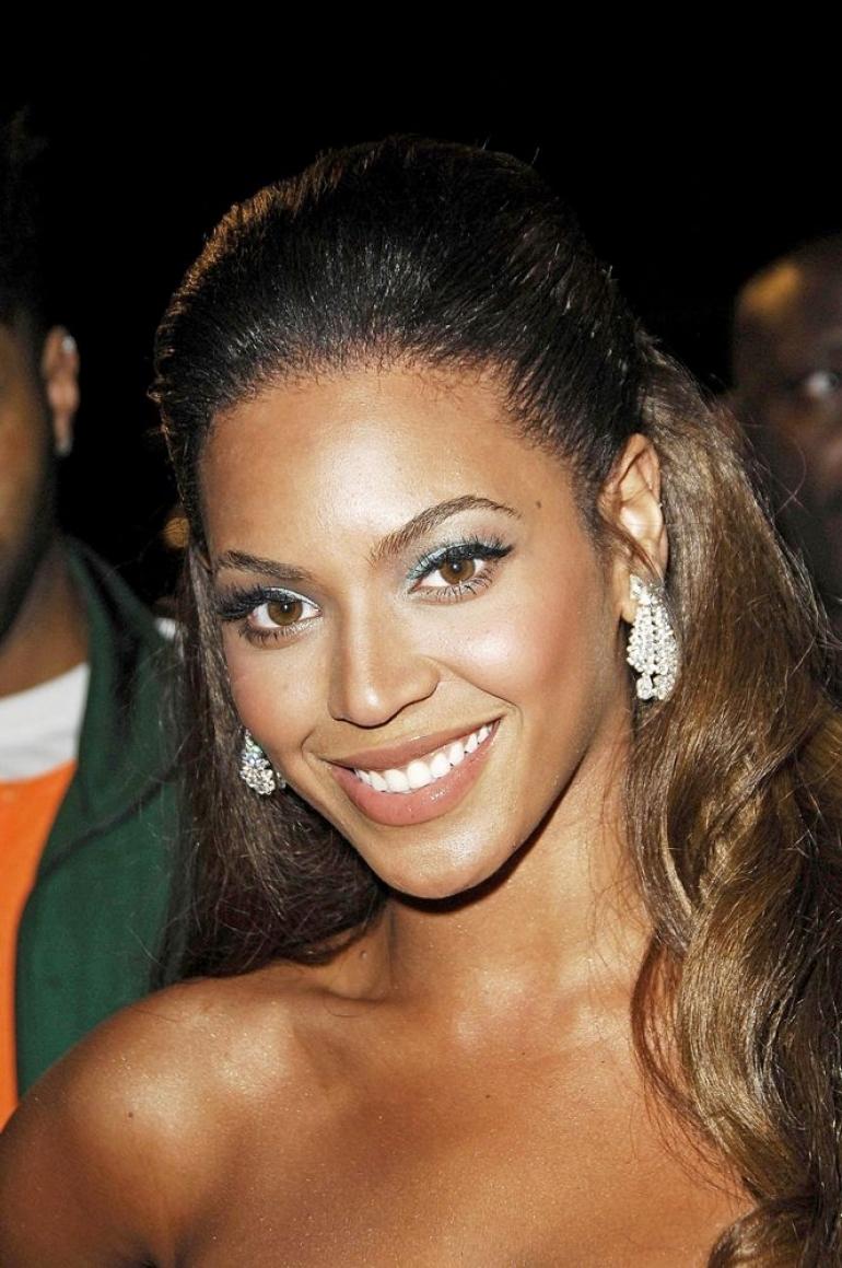 Beyoncé (ビヨンセ)