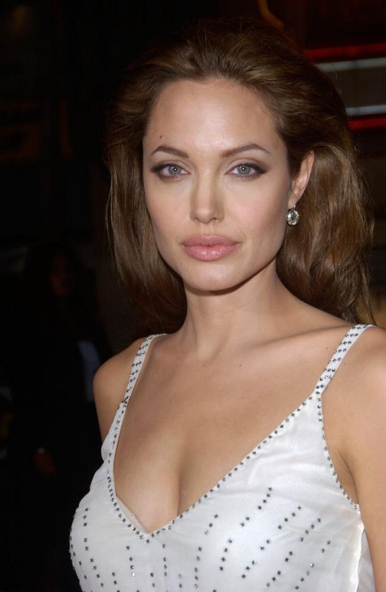 Angelina Jolie(アンジェリーナ・ジョリー)